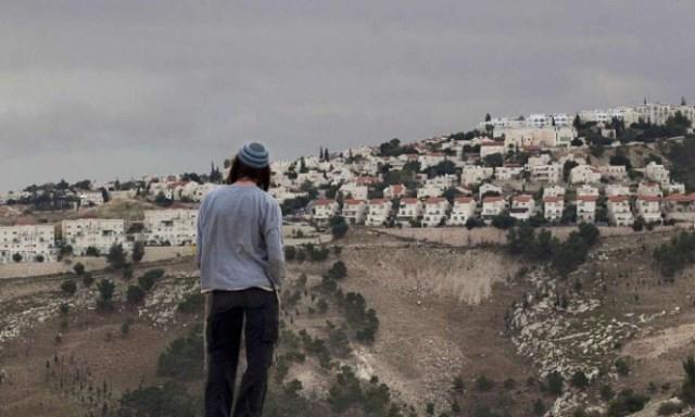 الاحتلال يشرعن سرقة أراضي الفلسطينيين