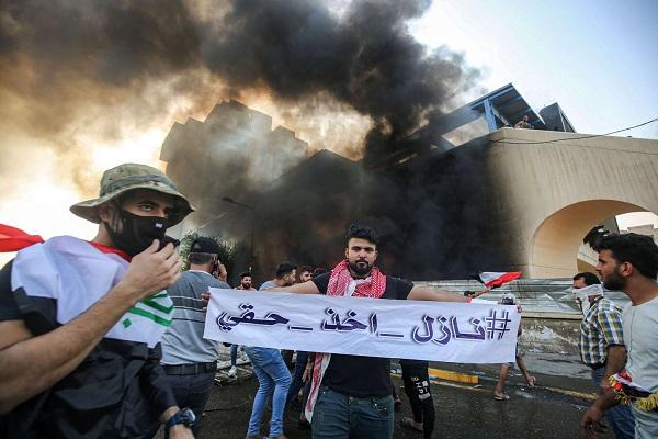 الاحتجاجات تعمّ العراق مجدّداً.. انتفاضة أم «مؤامرة»؟