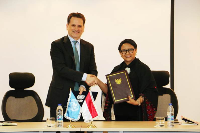 وزيرة خارجية إندونيسيا تزور الأونروا في الأردن وتعلن عن مساهمة بقيمة مليون دولار لصالح اللاجئين