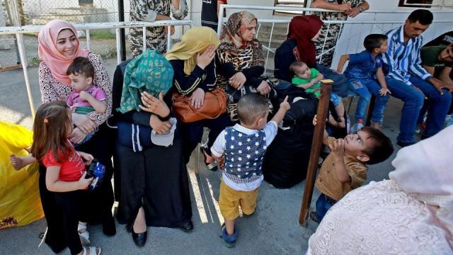 شؤون اللاجئين تدعو الغذاء العالمي لإعادة النظر في تقليص مساعداتها للأسر الفلسطينية