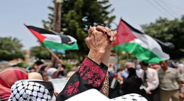 أخطاء منظمة التحرير لا تبرر خطيئة الانقسام