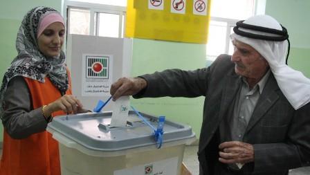 تساؤلات حول الإنتخابات وما يُحاك وراء الكواليس والأبواب المغلقة