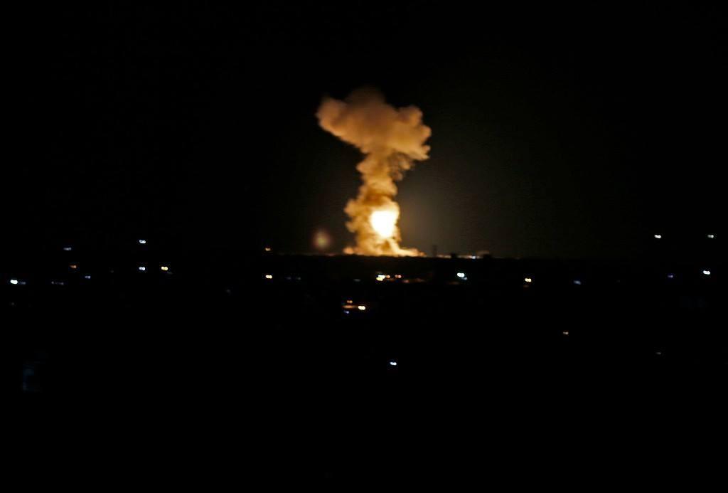 طيران الاحتلال يجدد استهدافه لمواقع للمقاومة شمال القطاع