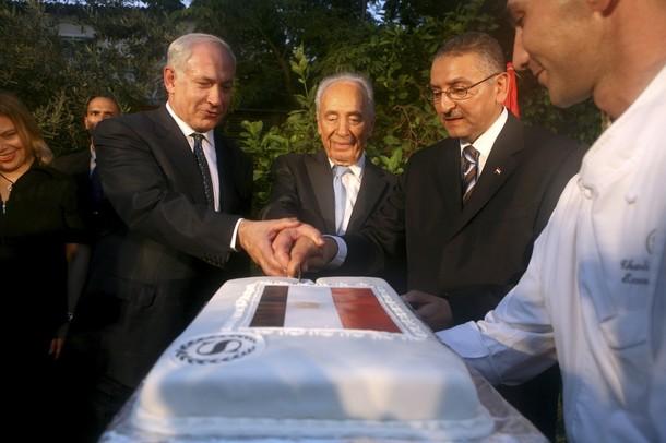 القضية الفلسطينية والتطبيع العربي الإسرائيلي من بيريس إلى نتنياهو
