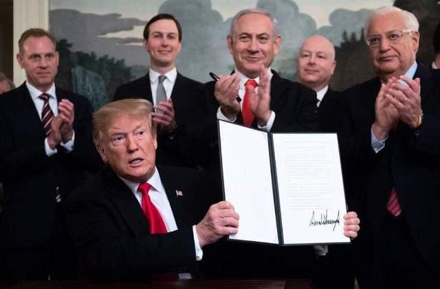 ترامب يوقع إعلانا يعترف بسيادة إسرائيل على الجولان
