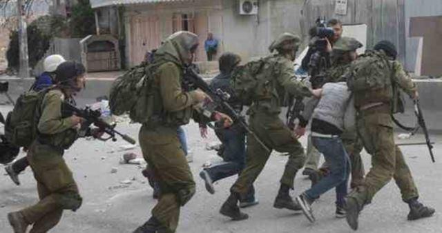 الاحتلال ينفذ حملة اعتقالات ومداهمات في مدن الضفة