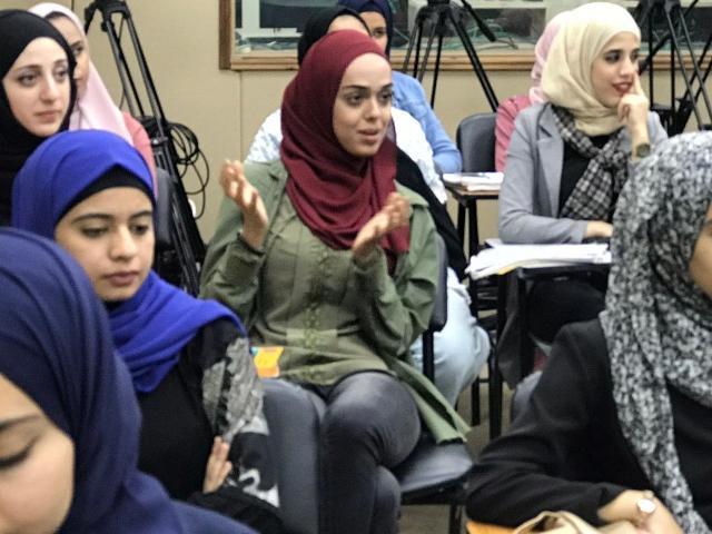 طولكرم .. النجدة تناقش أفلام تعبر عن ظروف المرأة الفلسطينية في مواجهة الاحتلال