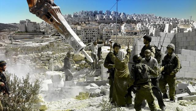 الاحتلال يقرر هدم 100 شقة سكنية جنوب الأقصى
