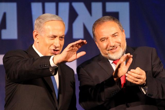 ليبرمان : مبادرة لتشكيل حكومة وحدة في إسرائيل