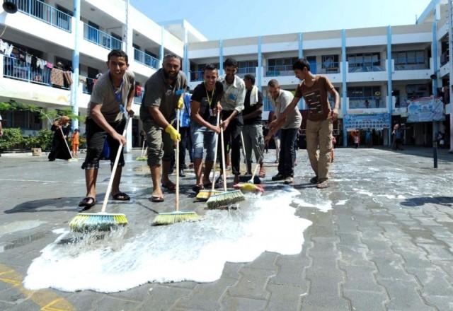 الأونروا تطلق حملة نظافة خلال شهر رمضان