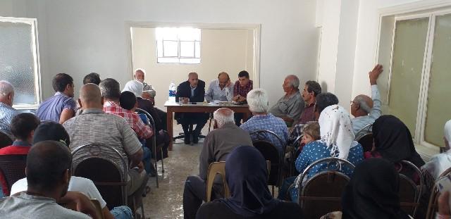 وقفة تضامنية بمخيم خان الشيح  تضامناً مع الاسرى وضد قرارات وزير العمل بحق اللاجئين
