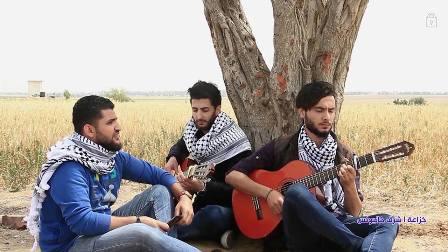 أحمد وأدهم .. الصديقان العازفان ينثران الموسيقى والأغنيات جنوب قطاع غزة