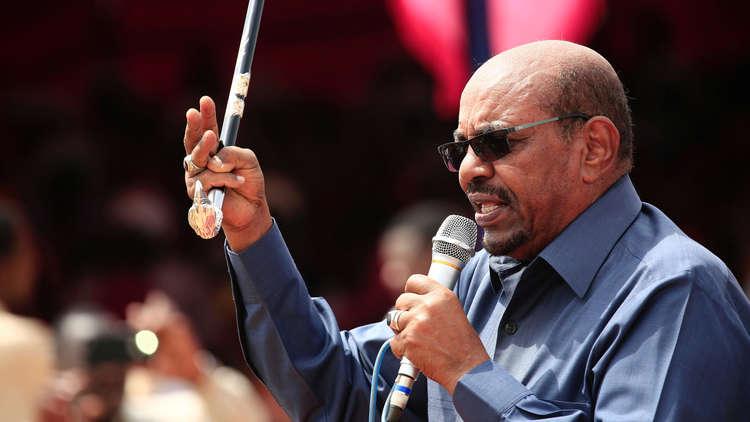 البشير: أعداء السودان يريدون تحويل شعبه للاجئين